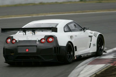 2010 Nissan GT-R New FIA GT1 Race Car Photos Released
