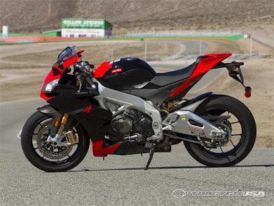 2010 New Aprilia RSV4 Factory Comparison