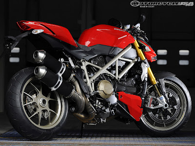 [Gambar: ducati+street+fighter+2009.jpg]