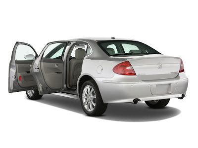 The New 2009 2010 Buick LaCrosse : Reviews and Specs