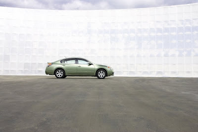2010 Nissan Altima Teaser Photo, Reviews and Specification