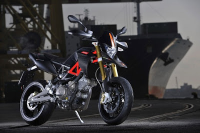 New Aprilia Dorsoduro 750 2010: Reviews and Specification