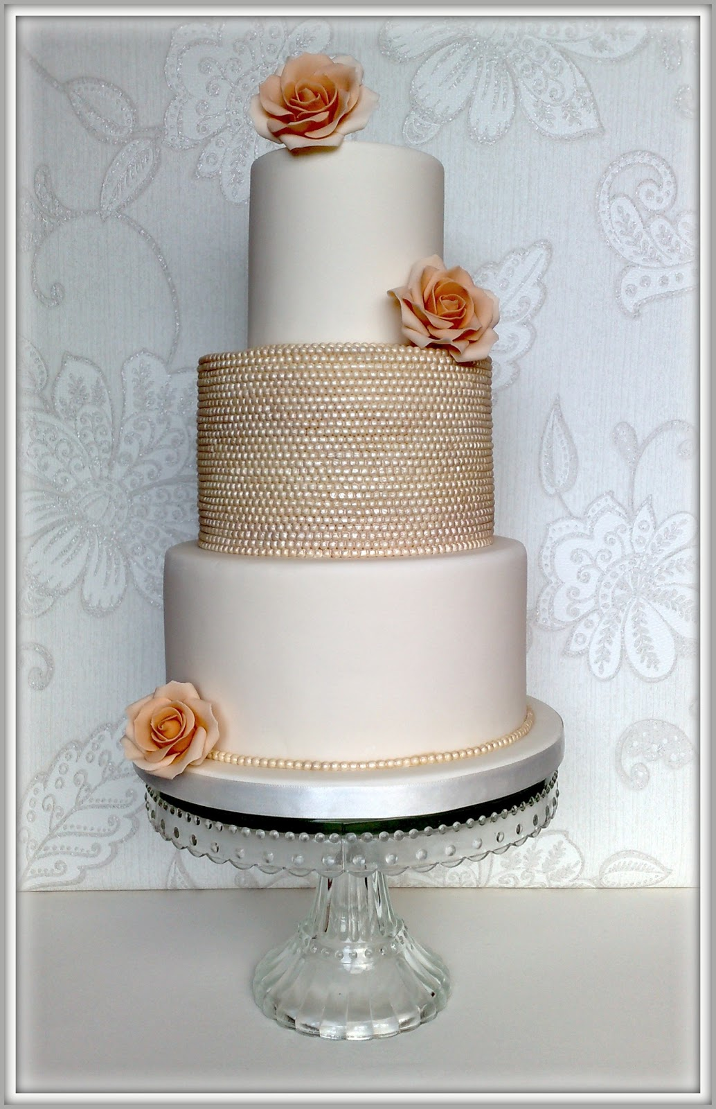 Small Things Iced Vintage Pearl Rose Wedding Cake