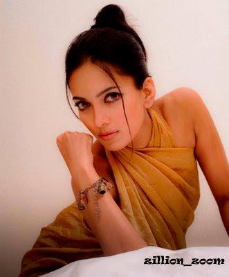 actress nirosha nude boobs
