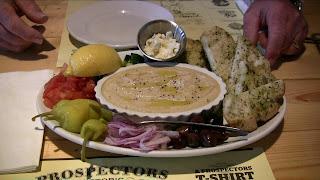 Humus appetizer platter