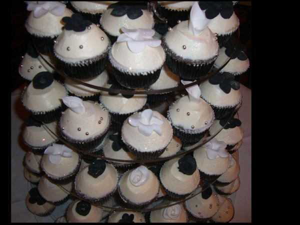 Picture of Black and White Flower Cupcakes by Cupcake Parlour
