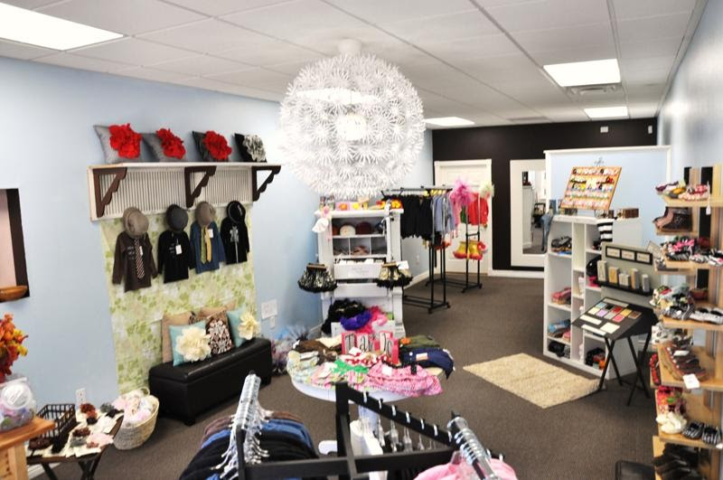 Fashion retail store interior design ideas foam fashion bug store for Fashion retail interior design