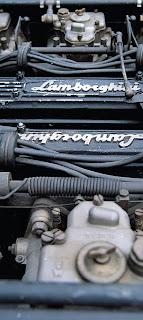 Motor Lamborghini Islero