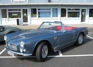 Maserati 3500 GT Spider carrozado por Vignale