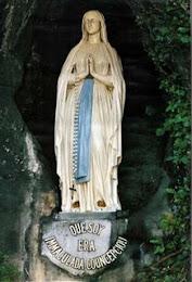 Mirá en directo la Gruta de Lourdes, Francia. Las 24 horas..
