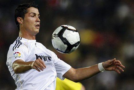 Cara & Teknik Bermain Sepak Bola
