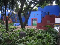 http://4.bp.blogspot.com/_noi84ijA4xY/Sh1oIv1ecrI/AAAAAAAACak/edcjgGKb32g/s400/casa-azul-fk+AJUSTADA.JPG