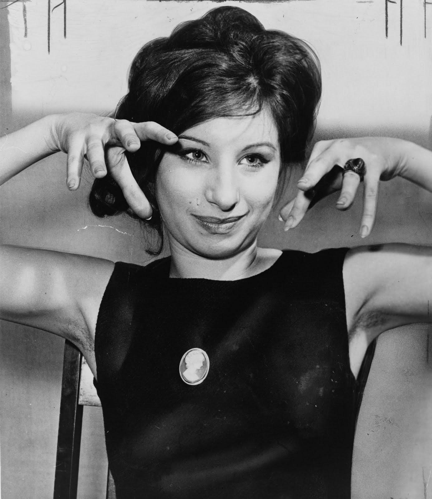 http://4.bp.blogspot.com/_nozRGV7oj-M/S9MblR8tc5I/AAAAAAAACsw/6lFVoBnkKFo/s1600/Barbra_Streisand_1962.jpg