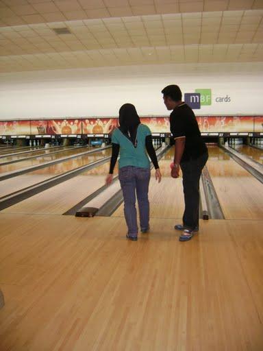 [bowling+10]