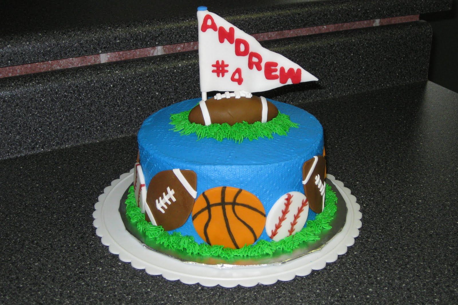 Cake Decorations For Sports : SWEET Memories: Sports Cake