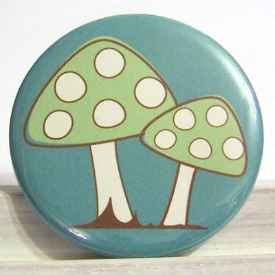 http://4.bp.blogspot.com/_nrgBMsENTIg/ST2Z3tnqboI/AAAAAAAAAdI/qKNPwYi7XQI/s400/Mushroom+Pocket+Mirror.jpg