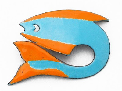 lynda andrews-barry: woodcrafts and candles :  handmade brooch modern fish