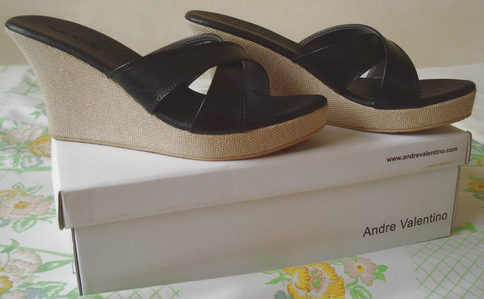 Knick-knacks of Life: Black Wedges from Andre Valentino
