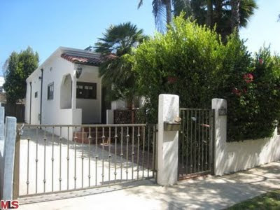 8719 Bonner West Hollywood