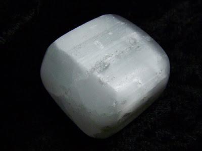Les vertus du caillou ou de la pierre magique-Puissant Marabout Kokouvi. dans Les vertus du caillou ou de la pierre magique. pierre3