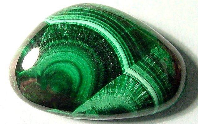 Purifier, recharger et programmer les pierres et minéraux 6bzb-malachite-cab5