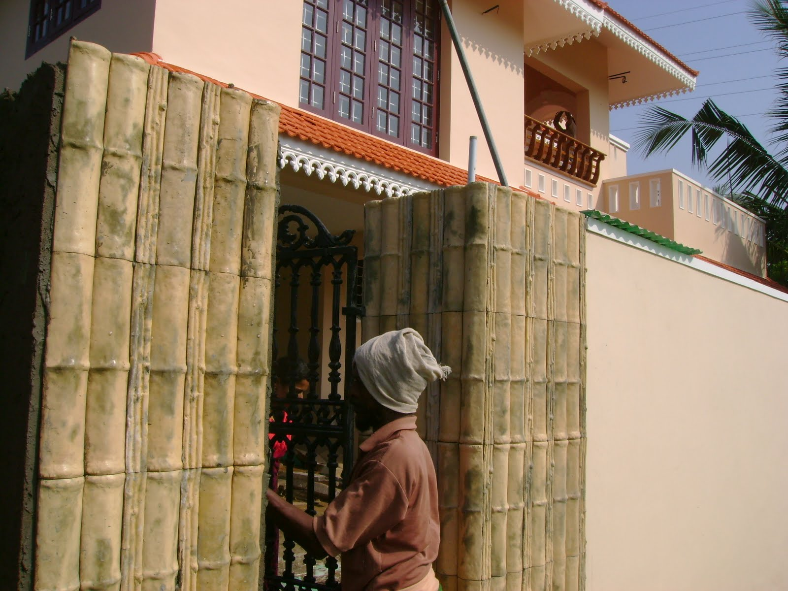 Kerala House Construction For Binu Thomas: Gate Pillars .