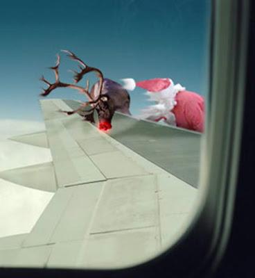 Le pére noel ne pourra pas faire sa tournée  cette année! Avion-pere-noel