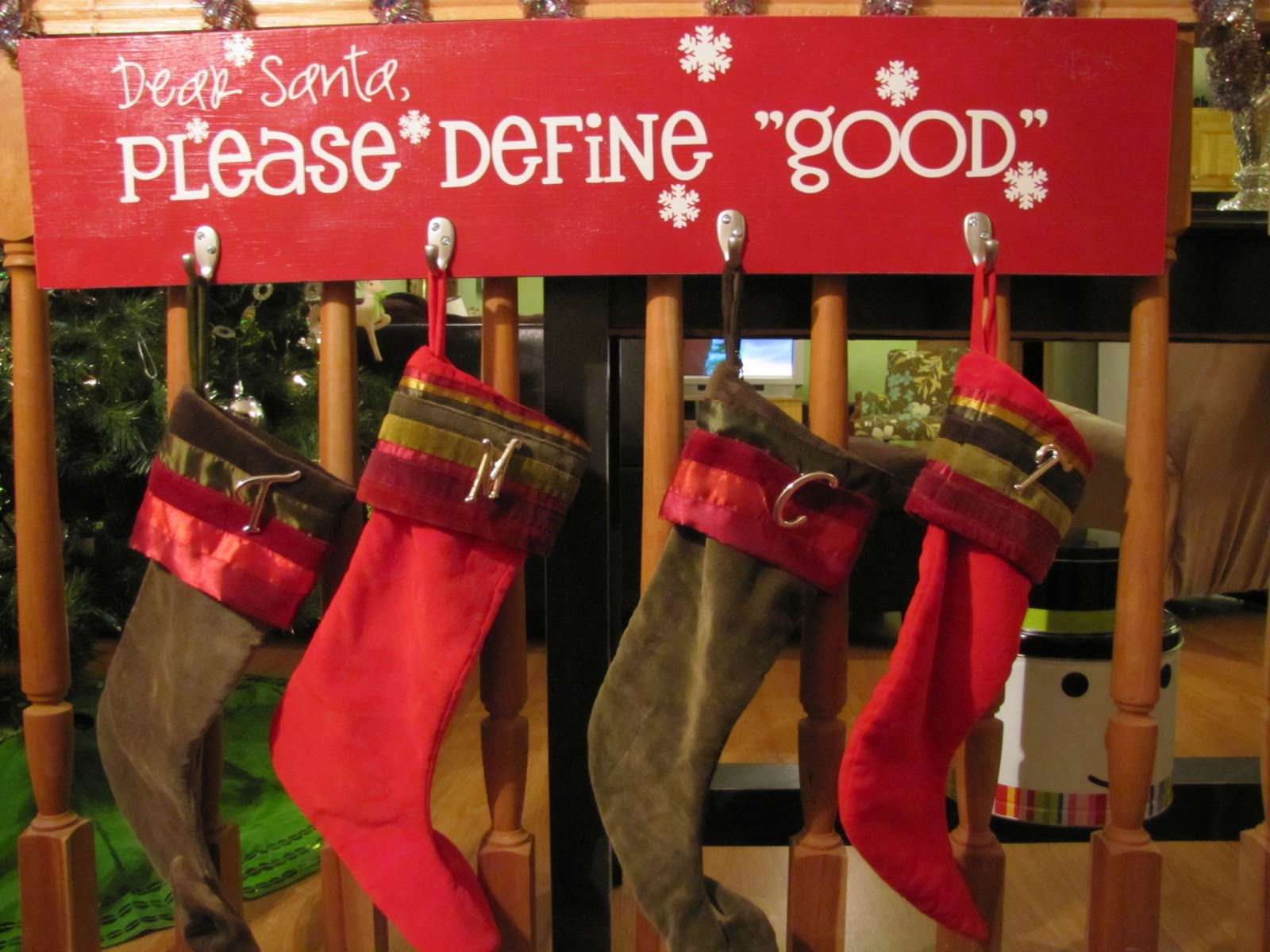 sustainably chic designs christmas vinyl stocking hanger