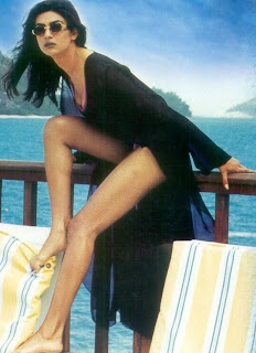 Sushmita leg display