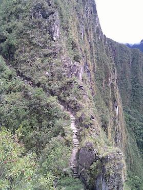po schodech  k Machu Picchu