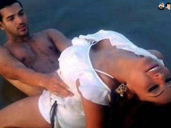Scene Se Bipasha Basu Hot