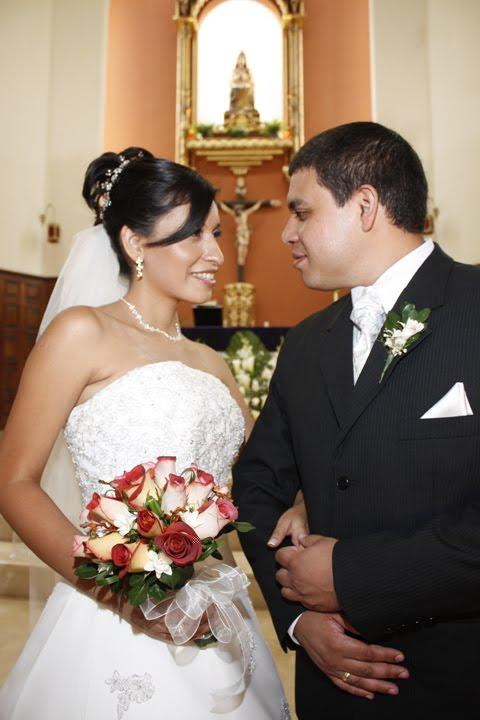 Matrimonio Catolico Feliz : Sociales en lima matrimonio religioso mora torres