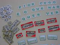 Materiais de alfabetização produzidos em oficinas de Liane Araújo.
