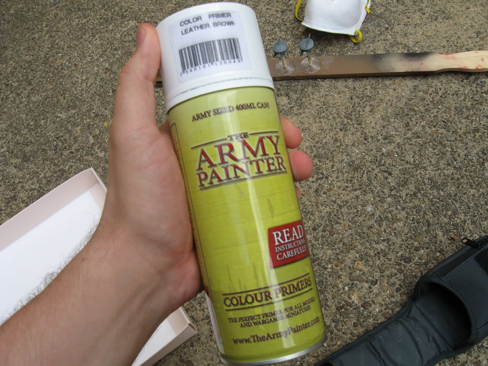 Painting miniatures color master primer - For My Khaki And Green Color Scheme Of My Tau Army I Start By Priming My Models In Leather Brown Color Primer When Using A Color Primer You Want To Make