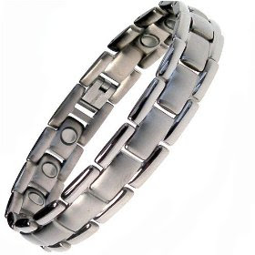 How to use magnetic bracelet titanium magnetic bracelets for How does magnetic jewelry work