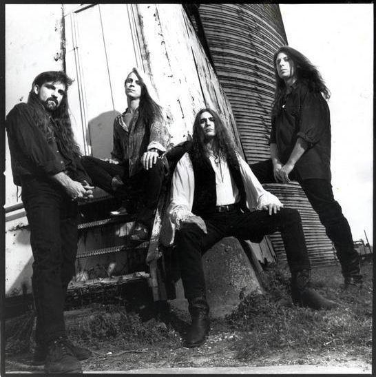 Rock Reviews dirt image: http://4.bp.blogspot.com/_o0iv5B15lJw/S9aAZap6OaI/AAAAAAAABD0/49_Kpy7jtI0/s1600/savatage_edge_of_thorns_lineup.jpg
