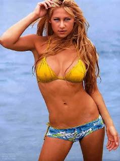 Sexy Bikini Picture of Star Tennis Player Anna Kournikova