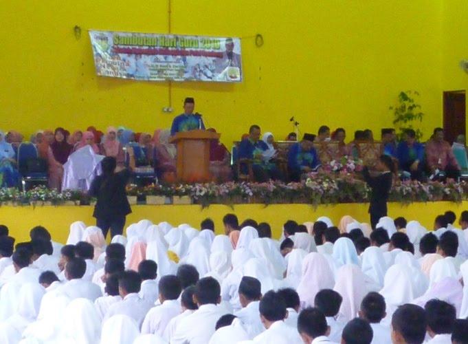 telah mengadakan sambutan hari guru peringkat sekolah pada 17 Mei 2010