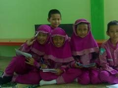 Kelas 4b Dalam Musholla