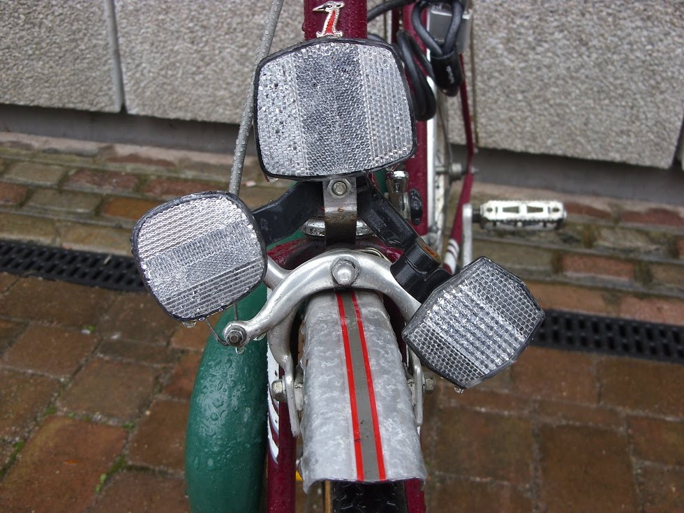 The Bicycle Safari Bikes Reflectors Good Three Reflectors Better