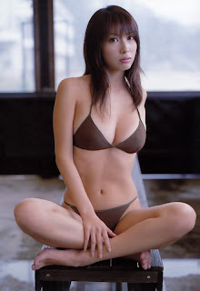 Emi Kobayashi Model Jepang