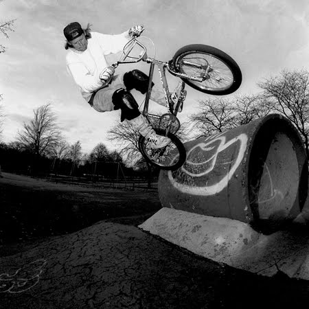 larry bakke tailtap at legendary bmx spot turtles, photo by jared souney