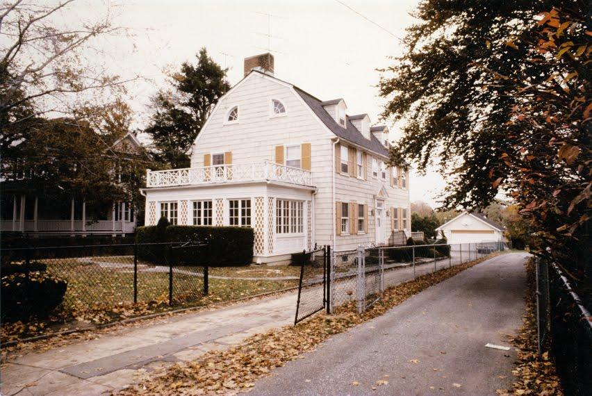Spookshows com blog amityville house for sale for The amityville house for sale