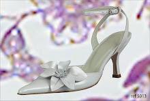 Sapatos e vestidos de noiva