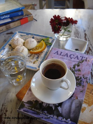 Kiraz Dünyası: Alaçatı ve Sakızlı Kahve