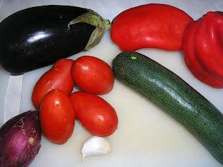 Articole culinare : Verdure al forno( Legume la cuptor) e cous cous con verdure.