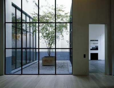 lola bits and pieces vincent van duysen. Black Bedroom Furniture Sets. Home Design Ideas