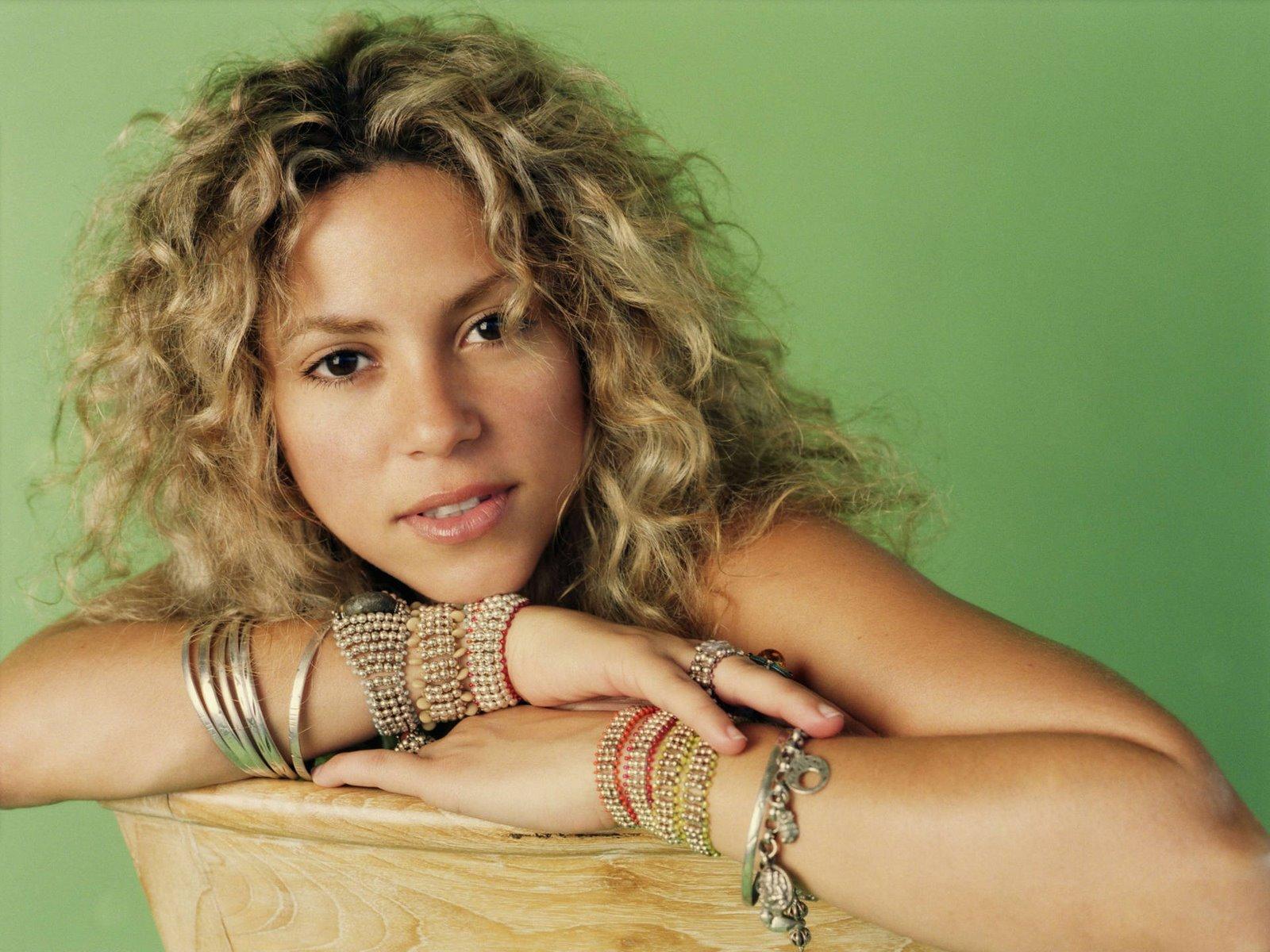 [Shakira+Mebarak+(39).jpg]