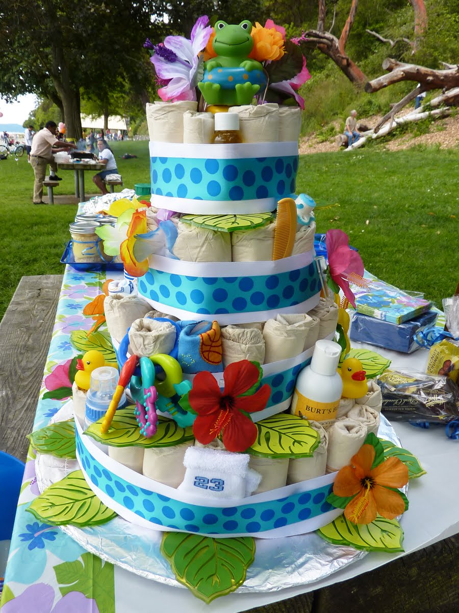 Shoeboxchef diaper cake for Baby shower diaper decoration