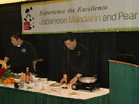 At the Mandarin and Pear Expo we also exhibited to show our Japanese teas which are traditionally consumed with mandarin oranges in the winter time